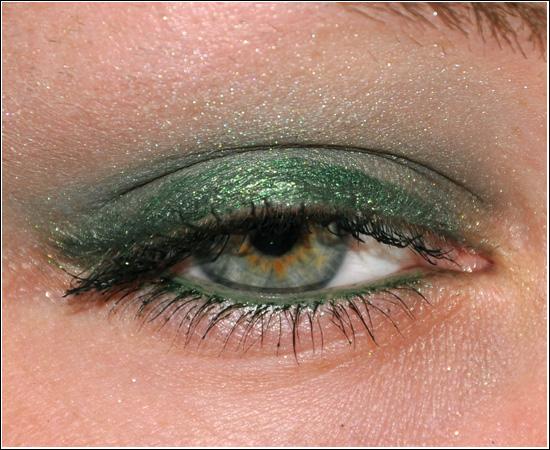 EOTD Sleek Makeup Green Martini/Viva la Diva Eyeliner Envy