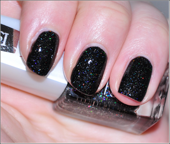 IsaDora Red Rush Wonder Nail Black Galaxy 728