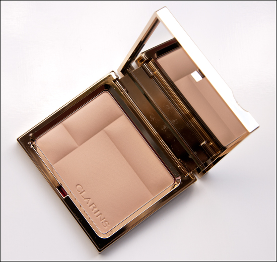 Clarins Ever Matte Shine Control Mineral Powder Compact 01 Transparent Light