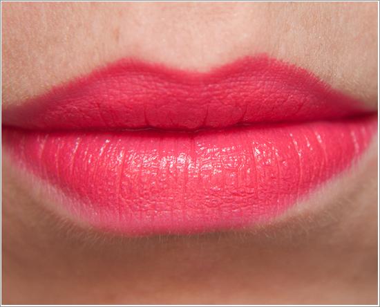 Maybelline Color Sensational Vivid Lipstick Shocking Coral 910