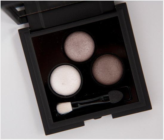 Apolosophy-Glamorous-Grey-Eyeshadow-Palette001