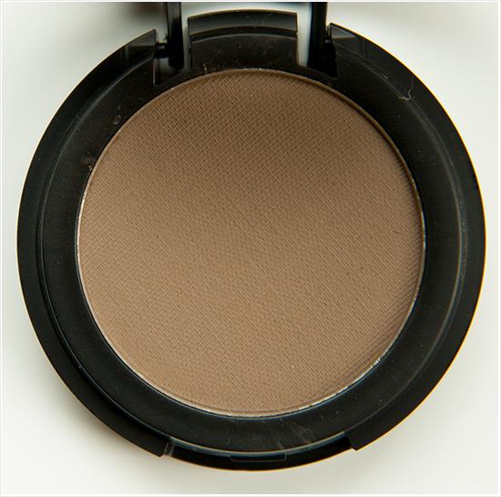 Make-Up-Store-Design-Microshadow002