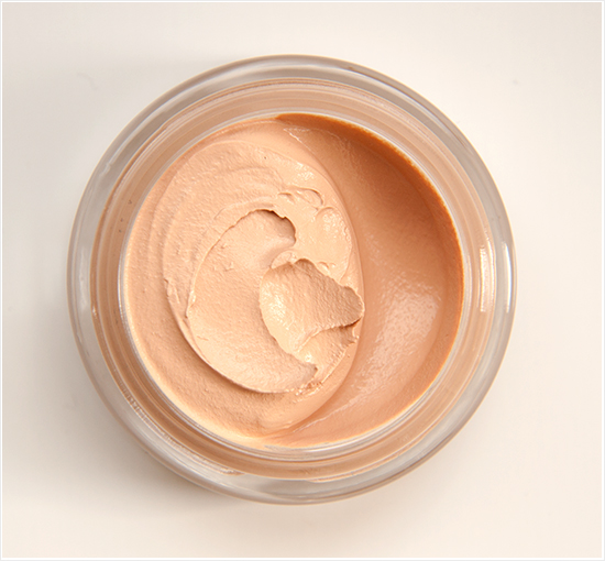 Max-Factor-Whipped-Cream-Foundation-Ivory003